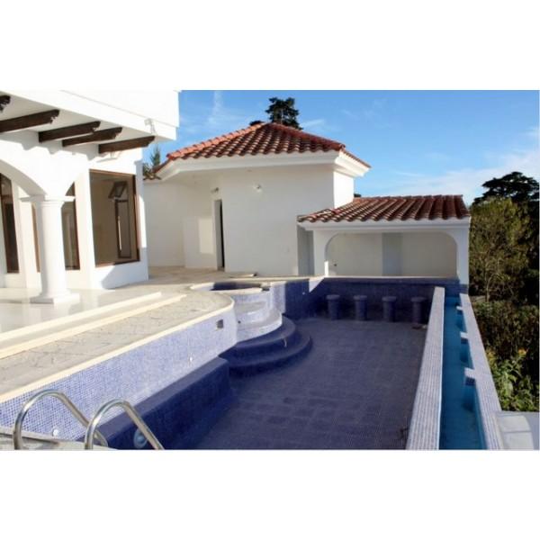 Lujosa Casa en venta  Altos de Montebello