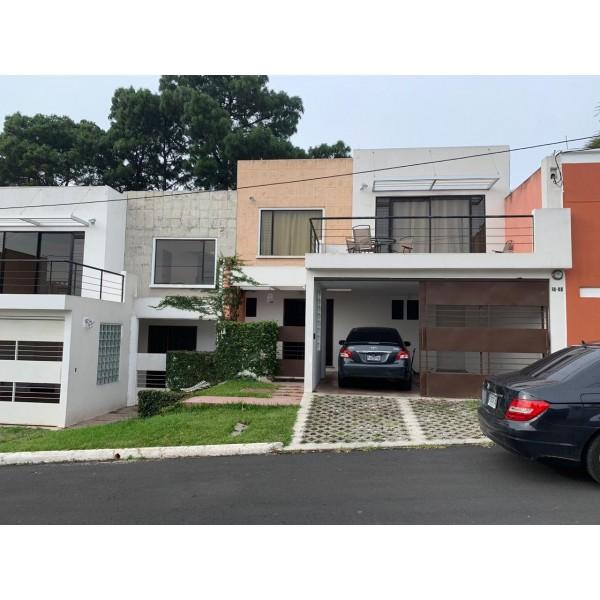 Casa en renta zona 8 de Mixco San Cristóbal