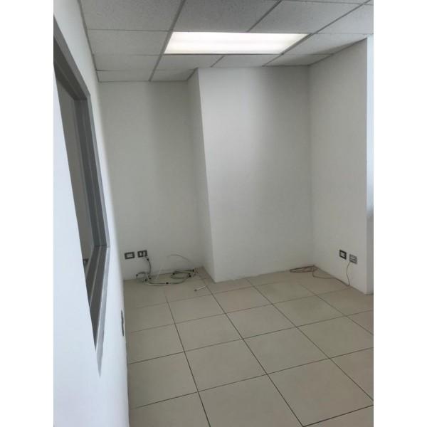 Oficina en renta zona 15