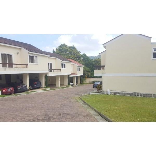 Casa en renta o venta zona 16 / Cascadas de la montaña VH 4
