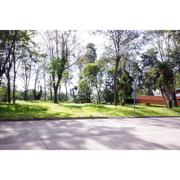 Terreno en venta Bosques de San Isidro zona 16