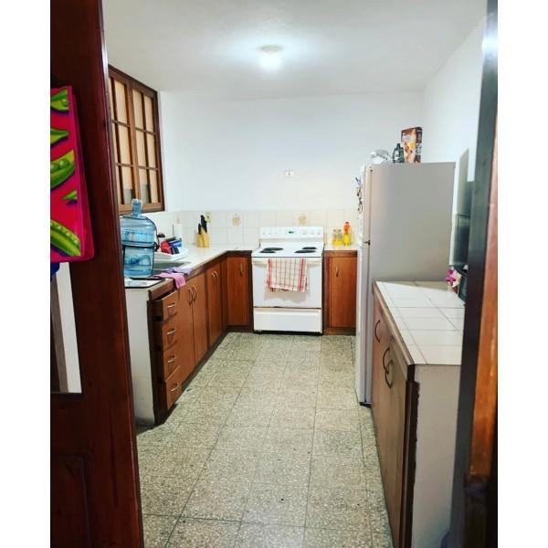 Casa en renta para vivienda u oficina zona 10