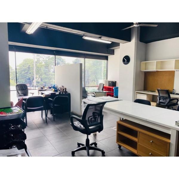 Oficina en Venta zona 10 / Desing Center