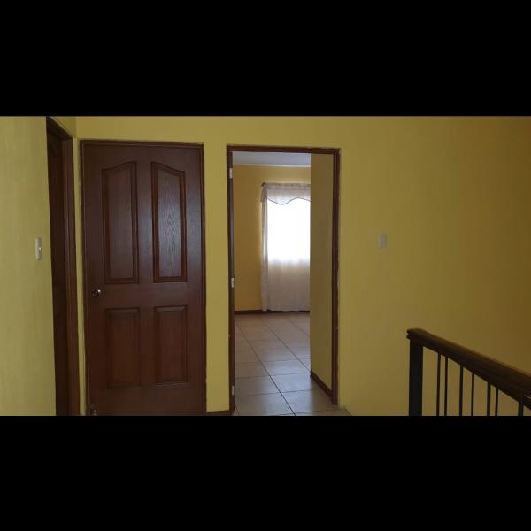 Casa en renta en Vista al Valle Oriente zona 8 de Mixco
