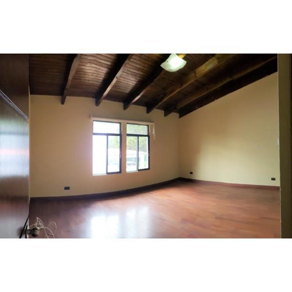 Casa en Renta zona 14 / La Villa